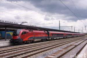 Taurus with Railjet in Munich, germany
